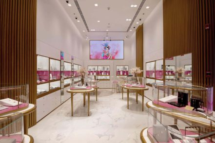 how to buy gold and diamonds in dubai Luxa Terra
